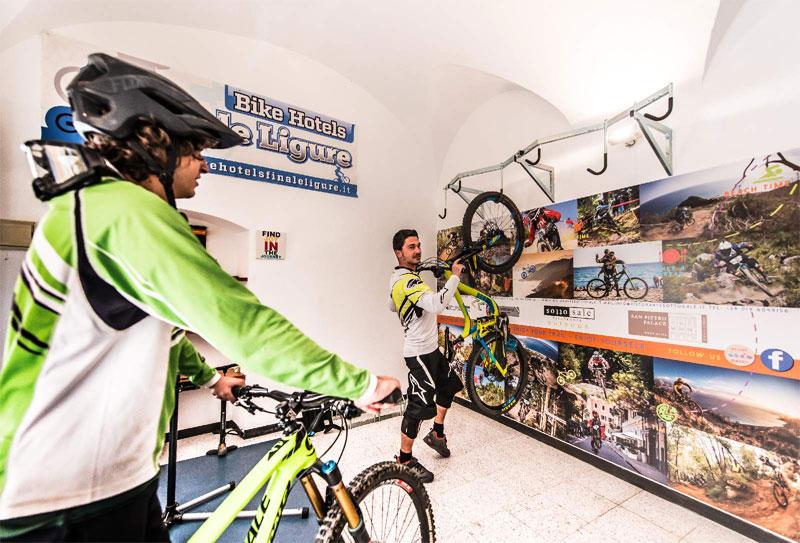 hotelsanpietropalace-bikeroom-hotel-picola